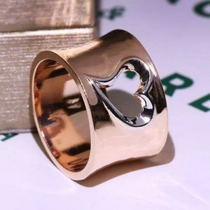 Rose gold  love heart band ring